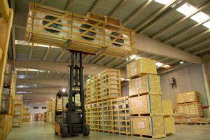 Manipulación de equipos de refrigeraciónen en almacén