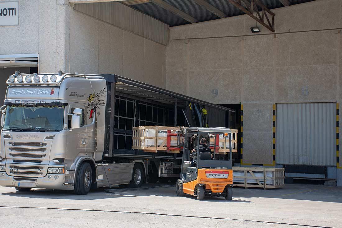 Muelle de carga en almacén de Riba-roja