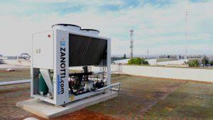 Unidad enfriadora Zanotti Appliance instalada en el techo de una empresa de fabricación de especias en Valencia