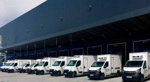 Equipos Zanotti en furgonetas preparadas para reparto comida a domicilio en la colmena de Mercadona en Valencia