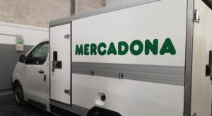 furgoneta de Mercadona con equipo Zanotti