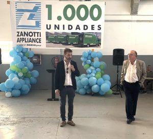 Michele Veronesi, responsable de Transporte en Zanotti Italia en un momento del discurso durante la fiesta de las mil unidades Zanotti entregadas a Mercadona