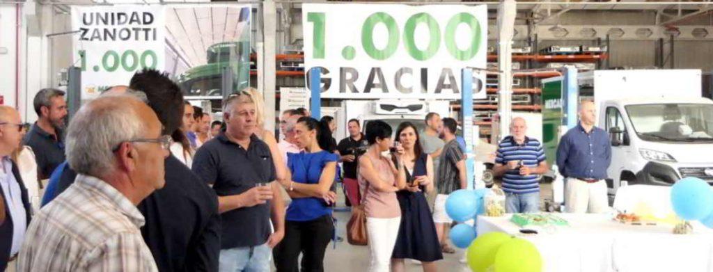 imagen general de la fiesta de mil unidades Zanotti entregadas a Mercadona