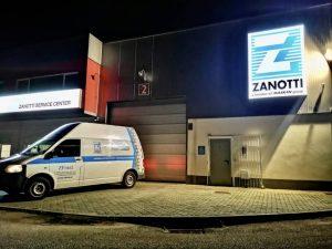 Fachada iluminada de Zfrost Zanotti en Leiria Portugal