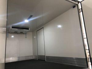 evaporador Zanotti FZ238 en el interior de un camión destinado al transporte farmacéutico